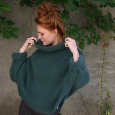 A poncho in exclusive angora, knitted in one piece starting at the front, then over the head and back down again. A fun knit in garter and stockinette. Front Bottoms, Poncho Sweater, Stockinette, Pickles, Turtle Neck, One Piece, Photo And Video, Sweaters, Knitting Ideas