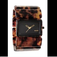 CLOSET CLEAR OUT 🎉 Nixon Vega Watch in Tortoise Great condition. Comes with original box. Sold out everywhere. Nixon Accessories Watches