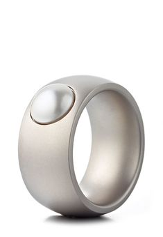 Heideman Ring Coma, Edelstahl, Swarovski Perle silber Jetzt bestellen unter: https://mode.ladendirekt.de/damen/schmuck/ringe/silberringe/?uid=71667b80-1fcc-5234-b042-5a5b8c8bff8f&utm_source=pinterest&utm_medium=pin&utm_campaign=boards #schmuck #ringe #bekleidung #silberringe Bild Quelle: brands4friends.de