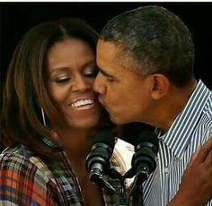 President Barack Obama Affectionate with the First Lady Michelle E Barack Obama, Barrack And Michelle, Barack Obama Family, First Black President, Mr President, Black Presidents, American Presidents, Joe Biden, Durham