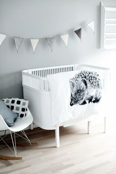 Zwart-wit kinderkamer // Black and white kids room (Nord Design)