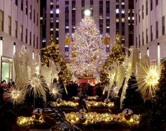 Holiday Lights in New York City: A Photo Essay – Going Places, Far & Near