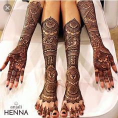 Mehndi Designs Bridal Hands, Wedding Henna Designs, Indian Mehndi Designs, Modern Mehndi Designs, Mehndi Design Photos, Mehndi Designs For Hands, Indian Wedding Henna, Mehndi Design For Bridal, Indian Weddings