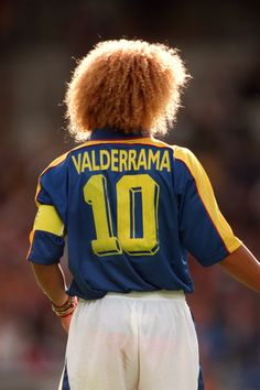Carlos Valderrama of Colombia Zombie Football Player, Cute Football Players, Girl Football Player, American Football Players, Football Girls, Retro Football, World Football, Vintage Football, Soccer Players