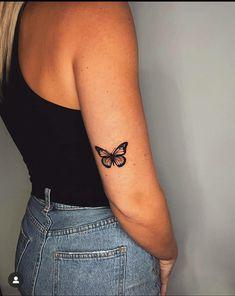 Dainty Tattoos, Subtle Tattoos, Cute Small Tattoos, White Tattoos, Foot Tattoos, Body Art Tattoos, Girl Rib Tattoos, Tattoos On Side Ribs, Gun Tattoos