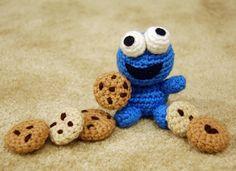 Happy #Monday! #Cookies make everything better  Hope you have a good week ahead  #cookiemonster #sesamestreet #amigurumi #crochet #crochetersofinstagram #handmade #diy #yarn #kawaii #cute #monster #chocolatechips #creations #inspiration #childhood #happiness #autumnleaflet @sesamestreet by autumnleaflet