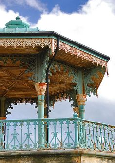 Hove Bandstand - needing a lick of paint before it was refurbished (subsequently reopening in Brighton Rock, Brighton England, Brighton And Hove, Beautiful Islands, Beautiful World, English Countryside, The Villain, British Isles, Architecture Details