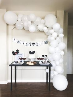 Third Birthday Girl, Disneyland Birthday, Mickey Mouse First Birthday, Birthday Goals, 35th Birthday, Baby Birthday, Girl Birthday Decorations, Birthday Themes For Boys, Boy Birthday Parties