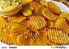 Domácí pečené chipsy s hořčičným dipem recept - TopRecepty.cz Snack Recipes, Snacks, Apple Pie, Dip, Paleo, Treats, Cheese, Desserts, Food