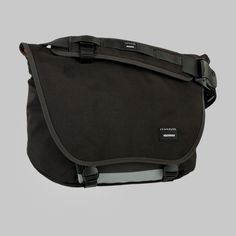 Crumpler - Moderate Embarrassment - slightly larger bag but made for the 13""
