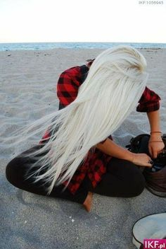 Bucket list to get this platinum! Prob loose all my hair though lol
