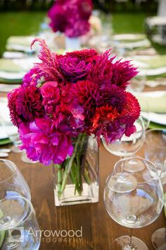Part of the joy of what we get to do here at MODwedding is to provide you with some of the best wedding inspiration to help you make your wedding day the most memorable day of your life. Take a look at these beautifully styled floral arrangements from the fabulous floral design guru, Michael Daigian Design, […]