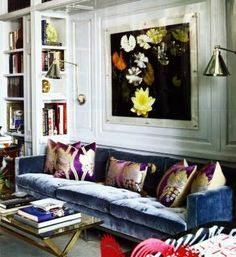 love the blue velvet sofa with purple home design interior design designs design Le Living, My Living Room, Home And Living, Living Room Decor, Living Spaces, Home Design, Design Ideas, Design Blog, Design Hotel