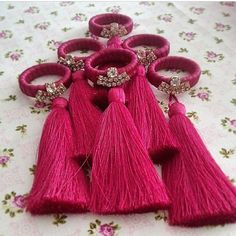 Diy Arts And Crafts, Diy Crafts, Gift Wraping, Napkin Folding, Decoration Table, Crochet Designs, Napkin Rings, Tablescapes, Tassels