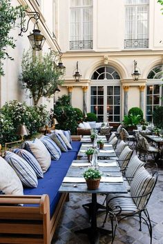 Ralph's restaurant, Paris.