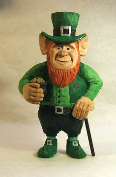 Irish Leprechaun, 8 inches tall