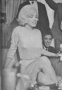 Marilyn Monroe The Continental Hilton Hotel Mexico City 1962 ( Peter Sneyder Photo Archive ) Marilyn Monroe 1962, Marilyn Monroe Photos, Greta, Norma Jeane, Brigitte Bardot, Rare Photos, Mexico City, Old Hollywood, Hollywood Dress