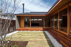 木造の平屋住宅の良さを見直す人が増えているようです。木の温もり、安心感のあるフォルムがやはり私たち日本人にはしっくりくる…