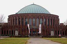 Tonhalle - gebaut zur GeSoLei hiess früher Rheinhalle