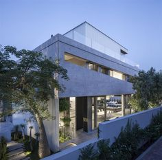 Image 24 of 62 from gallery of The Concrete Cut / Pitsou Kedem Architects. Photograph by Amit Geron Beautiful Architecture, Contemporary Architecture, Architecture Design, Architecture Board, Villas, Frameless Window, Pitsou Kedem, Live Oak Trees, Concrete Slab
