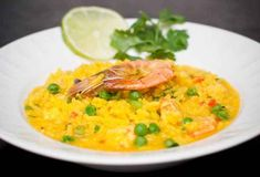 This Thai yellow fried rice is colorful, easy to make, and tastes amazing and can be made with fresh or frozen shrimp. Shrimp Recipes, Rice Recipes, Asian Recipes, Chicken Recipes, Cooking Recipes, Ethnic Recipes, Yummy Recipes, Paella Valenciana, Saffron Rice