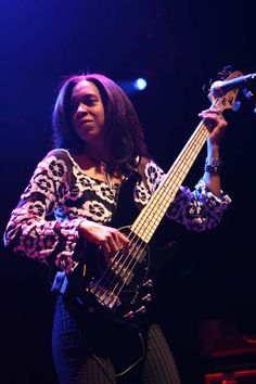 Renee Jones playing the bass on tour with Steve Lukather
