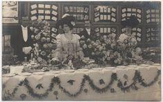 1904-05 - Exposition de la Carte Postale Illustrée, Paris - Remise des Récompenses aux Exposants - La Belle Otero & Émilienne d'Alençon