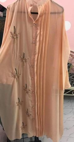 trendy sewing patterns for women plus size blouses Dress Neck Designs, Designs For Dresses, Blouse Designs, Stylish Dresses, Simple Dresses, Fashion Dresses, Stylish Kurtis, Long Dresses, Party Dresses