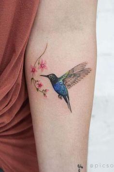 Cute and Artistic Bird Tattoo Designs You Want to Try Next Mini Tattoos, Cute Tattoos, Beautiful Tattoos, Black Tattoos, Body Art Tattoos, Fox Tattoos, Deer Tattoo, Color Tattoos, Tattoo Ink