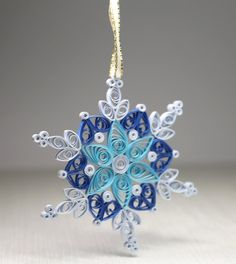 Christmas Quilled Ornament Snowflake di LovelyCraftStudio su Etsy