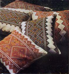 Decorativos almohadones típicamente ucranianos ...