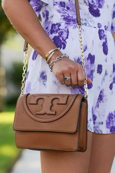 Tory Burch crossbody- can someone please get me this???