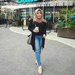 Selamat soree 😂😂 @kanayales_ @elsha_elshanum . . #aceh #selfie #inoengaceh #bidadariselfie #kocak #selfiecantik #Indonesia #awesome  #wanitacantikindonesia #kekinian #lfl #like #like4like #follow4follow  #mtma #hijabers #barbiemuslimah #doubletap #taptap #tap2x #follow #fff . #terfujilah #nature #exploresumut #remajaaceh #komunitas_hijab_indonesia #cantikberhijab  #cantik #beautifulday Kos, Like4like, Capri Pants, Selfie, Chic, Instagram, Style, Fashion, Shabby Chic