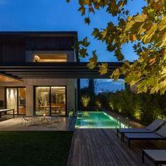 ...---===||===---... Woodwing Villa