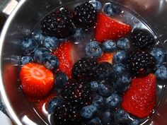 How to Make a Fruit Coulis - Delishably Blackberry, Raspberry, Strawberry, Berry Coulis, Fruit Sauce, Preserves, Berries, How To Make, Recipes