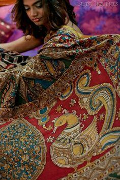 A fully hand painted kalamkari saree. From the tip of a pen of Master Artisans from Hyderabad - the allure of this piece lies in its gorgeous pallu lovely annapakshis (birds)! Saree Painting, Kalamkari Painting, Kalamkari Designs, Recycled Dress, Kerala Saree, Kalamkari Saree, Indian Fabric, Textiles, Pure Silk Sarees