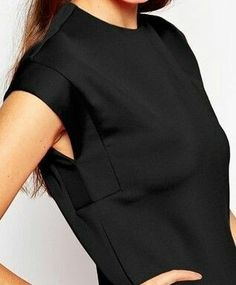 Interesting sleeves with underarm / side-seam detail. Sleeve Designs, Blouse Designs, Fashion Details, Fashion Tips, Fashion Design, Fashion History, Fashion Pants, Fashion Fashion, High Fashion