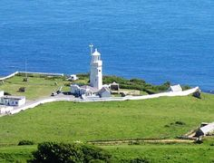 Image from http://www.isleofwighttouristguide.com/uploads/lighthouses-st-cath-lighthouse.jpg.