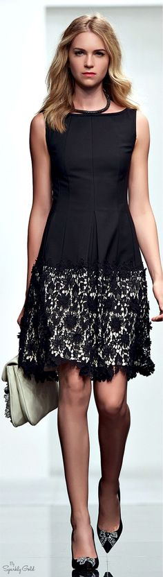 Twin-Set Simona Barbieri Resort 2015 women fashion outfit clothing style apparel @roressclothes closet ideas