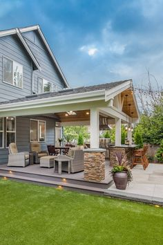 Craftsman Patio designed by Urban Oasis Design & Construction LLC . Outdoor Kitchen Design, Patio Design, Marble Countertops, Kitchen Countertops, Ed Design, Outside Bars, Oasis, Craftsman, The Outsiders