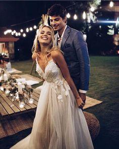 6,596 отметок «Нравится», 51 комментариев — Wedding Day Ready (@weddingdayready) в Instagram: «Destination wedding goals. 🤗 Drail dress is light & airy and perfect for outdoor ceremonies? Write…»