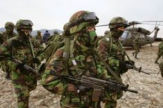 and South Korea Hold Combined Exercise Korean Military, Military Art, Military Uniforms, Korean People, Korean War, North Korea, Special Forces, Countries Of The World, Armed Forces