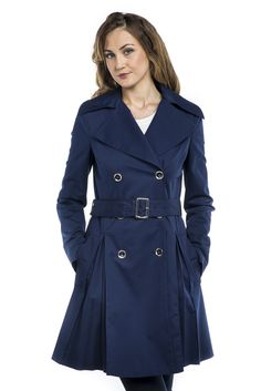 Guess by Marciano Woven Trench 379,00 € www.fashionstore.fi