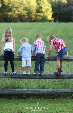 Sister Poses, Kid Poses, Group Poses, Sibling Poses, Picture Poses, Photo Poses, Picture Ideas, Photo Ideas, Sibling Photography