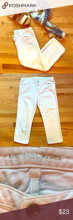 Michael Kors White Capris Size 8 White Michael Kors Capris Size 8. Perfect for summer! Like new. Michael Kors Pants Capris