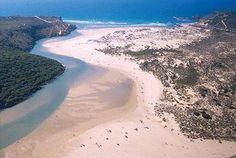 O pedaço de costa mais bem preservado de Portugal fica na Costa Vicentina. Venha conhecê-lo e desfrutar das suas praias. No Vicentina Aparthotel 2 noites com pequeno-almoço para 2 pessoas por 99€, 3 noites por 145€, 5 noites por 229€ e 7 noites por 299€. - Descontos Lifecooler