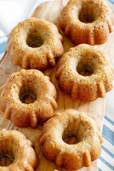 Best Banana Bundt Cake - moist and yummy banana bundt cake, baked in mini bundt pans. Loaded with bananas, this is the best bundt cake ever | rasamalaysia.com