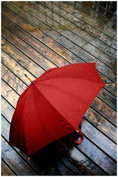 red+umbrella+2+by+IamGerrit.deviantart.com+on+@deviantART