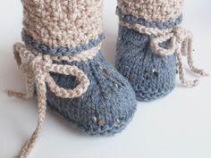 Strick- & Häkelschuhe - Babyschuhe Trachtenschuhe gestrickt - ein Designerstück von ellyshop bei DaWanda