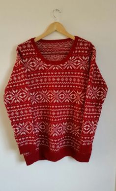 88902668193d Red and white jumper size 50 chest White Jumper